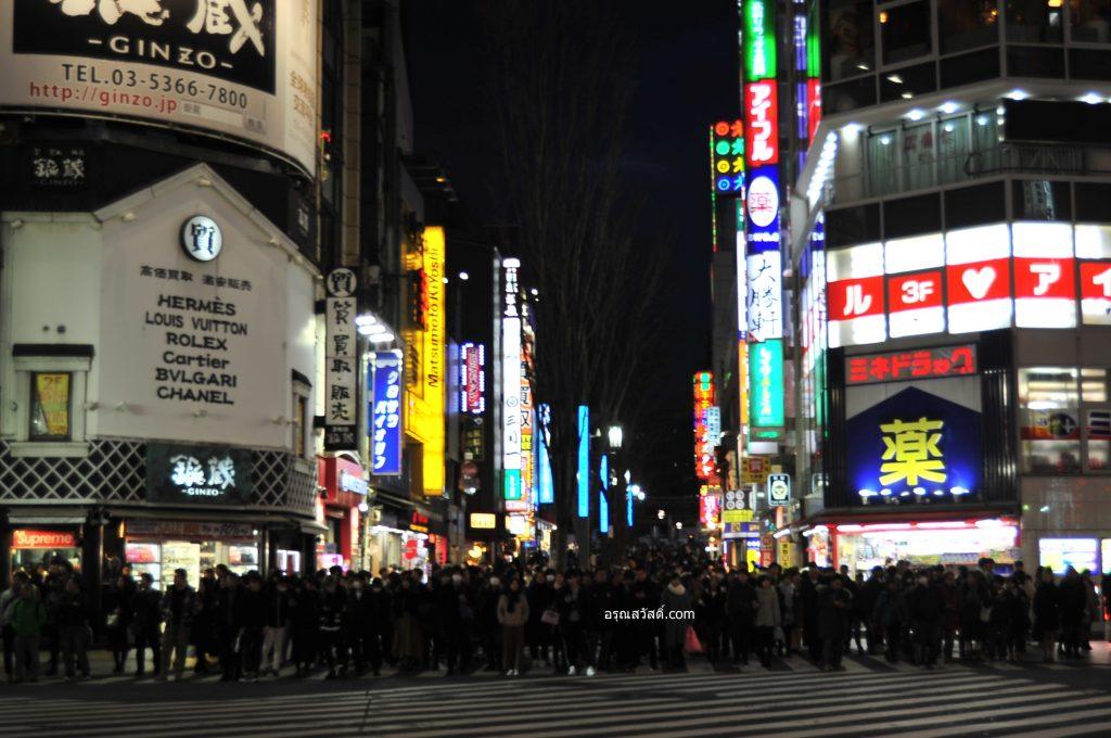 ทางม้าลายของชินจุกุ โตเกียว Shinjuku Toyoko